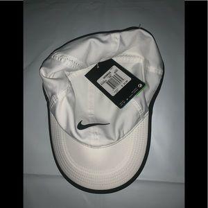 NIKE WOMENS TENNIS ATHLETIC VELCRO STRAP HAT